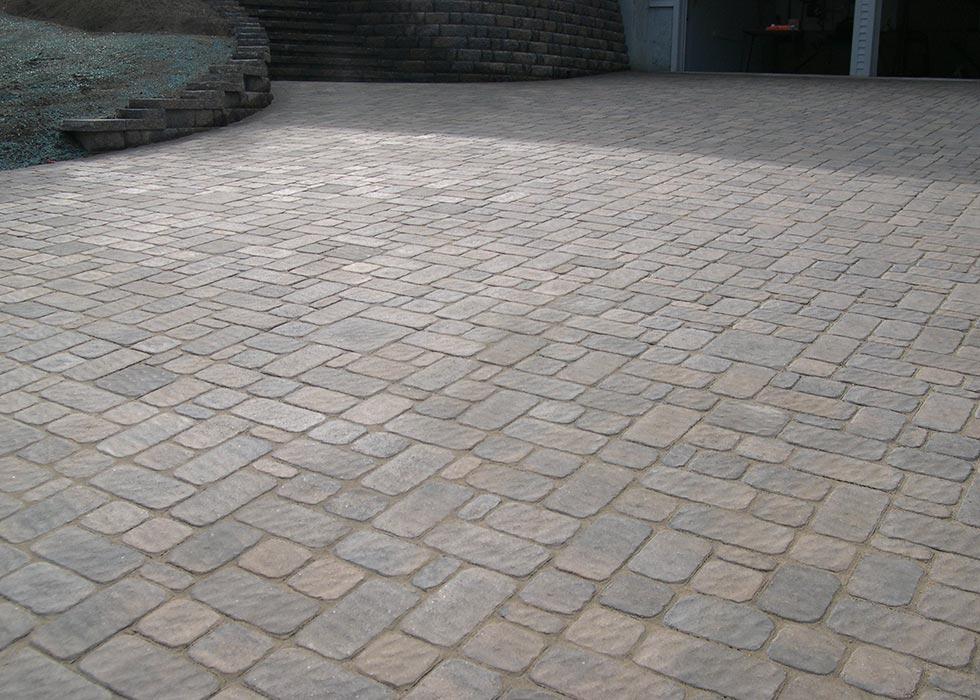 distinctive stonework - driveway