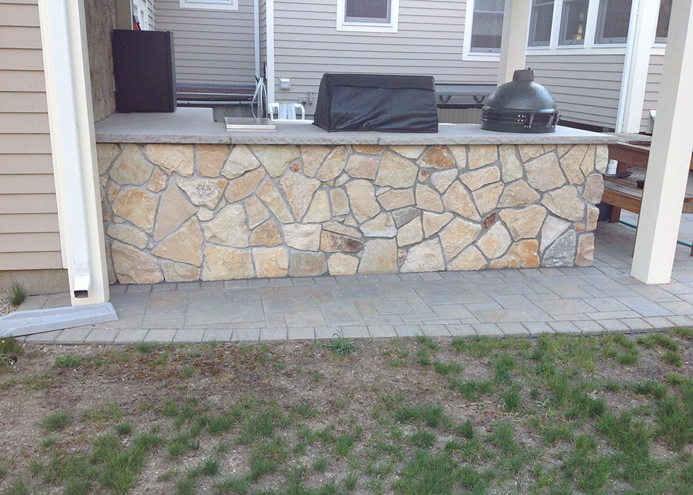 distinctive stoneworks - outdoor kitchen