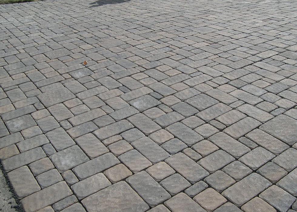 distinctive stoneworks-driveway
