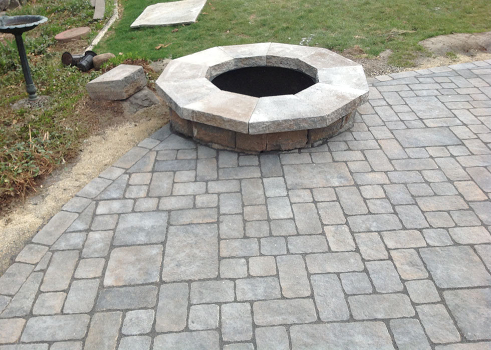 distinctive stoneworks - outdoor fireplace